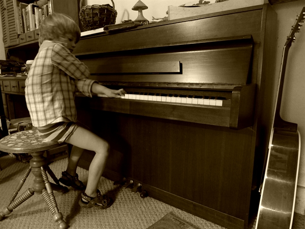 Thom playing piano 2