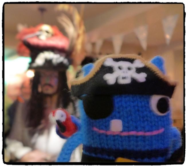 Captain JAck Sparrow + Pirate BEastie
