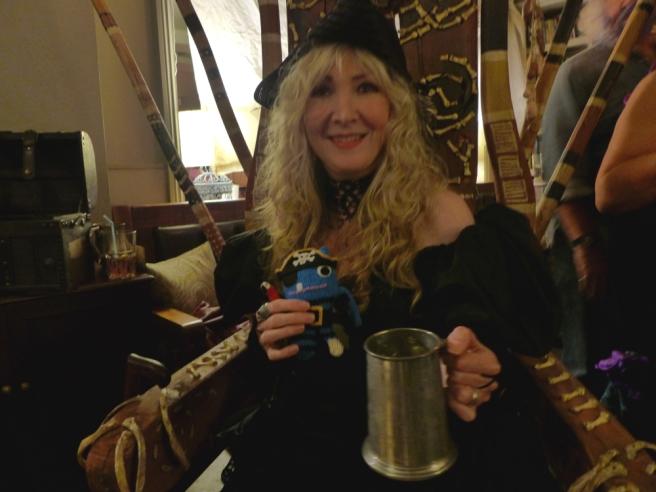 pirate beastie + lady pirate