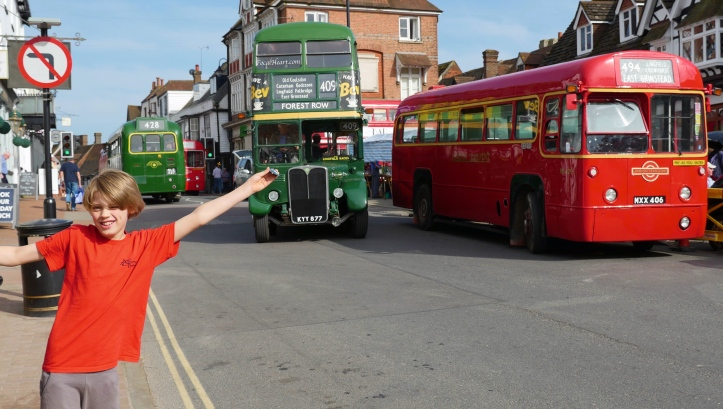 Thom+buses1